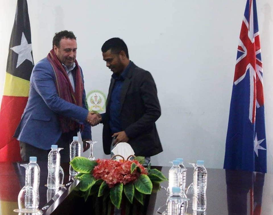 S.E Abrao Saldanha Hasoru Malu ho Ambassador The Commonwealth Of Australia